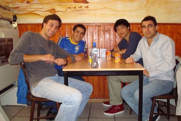 students-travelling-8-20110127-1634538715A2B5F3EB-9259-47EF-A2F1-104AF531729B.jpg
